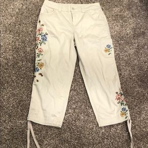 Style & Co tan embroidered capris